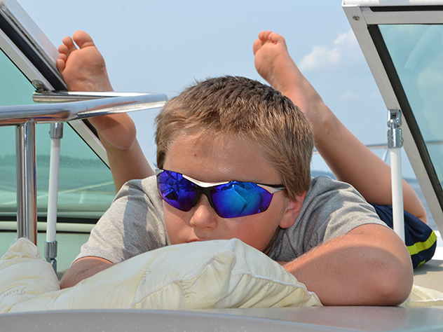 Cruising low-and-slow allows the First Mate to relax in the best seat in the house, 09AUG14