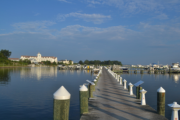 Early morning on Tuesday August 4th, looking down the A-dock toward the Hyatt Regency.  Time for golf!